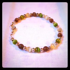 "Jewelry - 7""green white Cat eye gem stone bead bracelelt EUC"